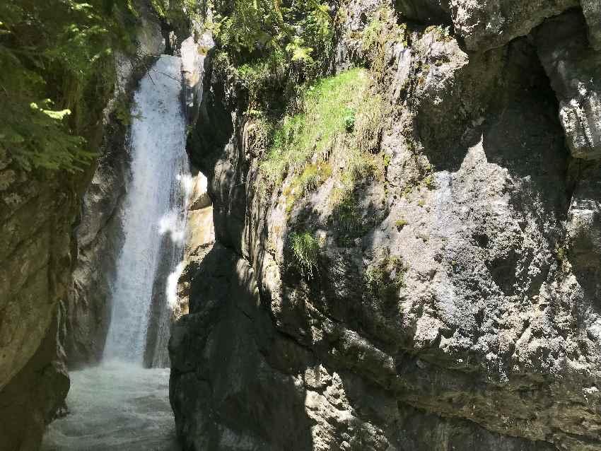 Empfehlenswert: Die Tatzelwurm Wasserfälle Wanderung