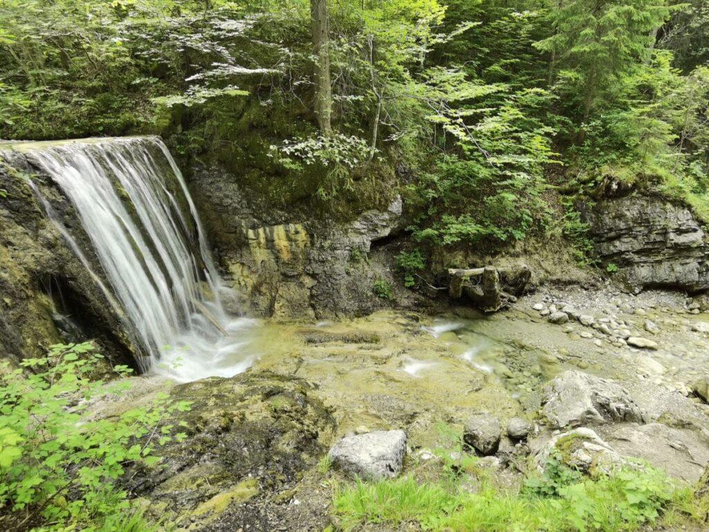 Grüne Gumpe Bayrischzell mit Wasserfall