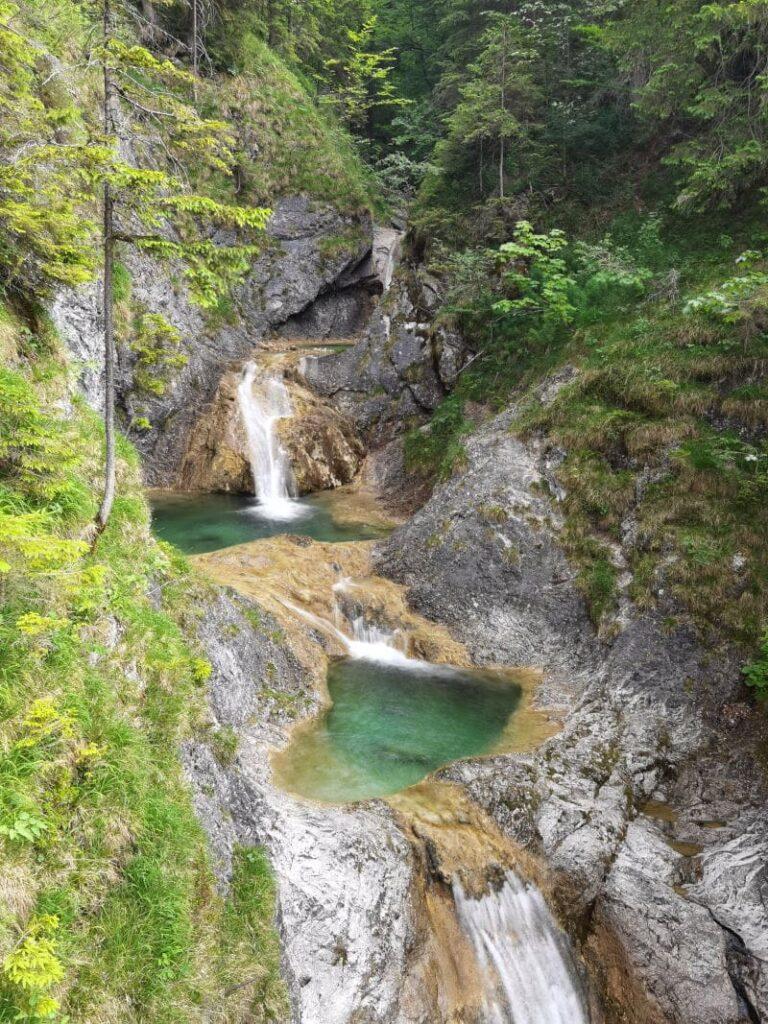 Das ist der Wasserfall Bayrischzell - mit den vielen Gumpen