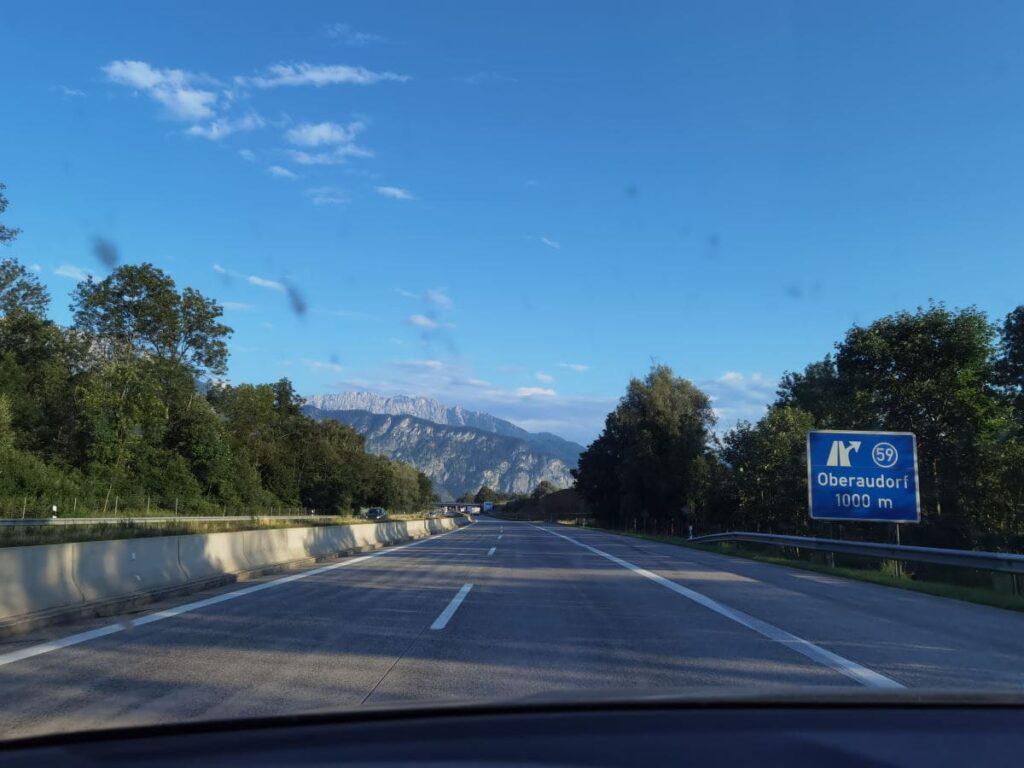 Die Anreise zum Tatzelwurm Wasserfall Parkplatz über die Autobahn ab Rosenheim